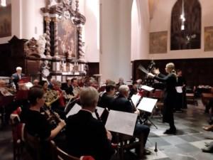 Concert door de harmonie van Beringen in de dekenale kerk