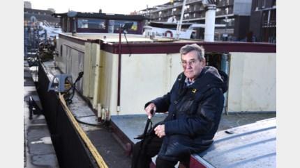 Jean (87) neemt afscheid van oudste woonboot van Hasselt