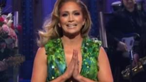 Jennifer Lopez duikt nog eens op in iconische Versace-jurk