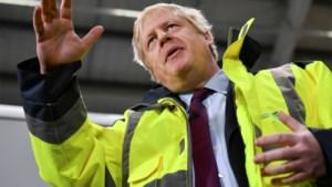 Boris Johnson onder vuur nadat hij weigert foto te bekijken van ziek jongetje op de grond