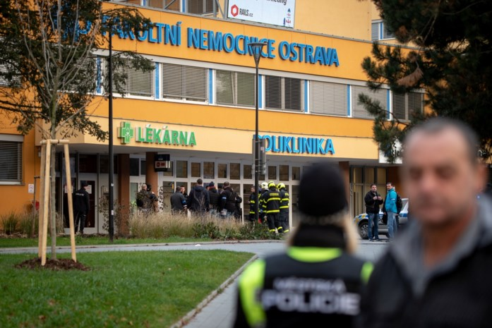 Schutter maakt meerdere doden in ziekenhuis in Tsjechië
