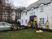 Auto rijdt huis binnen in Zolder