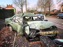 Zwaargewonde door frontale botsing op Genkersteenweg in Hasselt