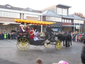 Sint komt met paard en koets naar De St@rtbaan