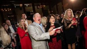 Baas beloont werknemers met bonus van 10 miljoen tijdens kerstfeestje