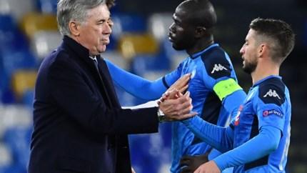 Ruime zege tegen Racing Genk was niet genoeg: het Napoli van Dries Mertens ontslaat trainer Carlo Ancelotti