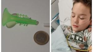 Negenjarige uit Oudsbergen in ziekenhuis na inslikken Aldi-speelgoedje
