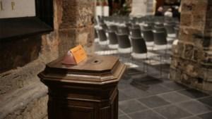 Dieven proberen offerblok van kapel op Hees uit te breken
