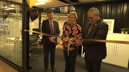 Hilde Crevits opent nieuwe incubator op Corda Campus