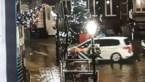 Keren loopt helemaal mis: politieauto rijdt lantaarnpaal omver