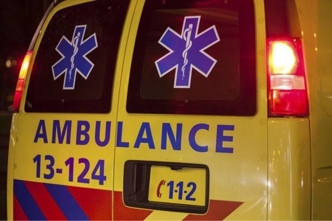 Man dankt leven aan snelle reactie van twee omstaanders na val in vijver in Brunssum