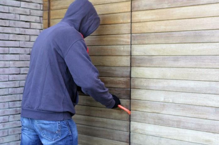 Inbrekers slaan toe in zes tuinhuizen in dezelfde wijk