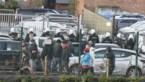 Supporters raken slaags, een agent gewond