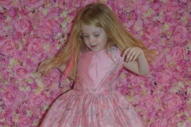 Isla (5) werd ziek na een kerstfeestje, de volgende dag kon geen hulp meer baten
