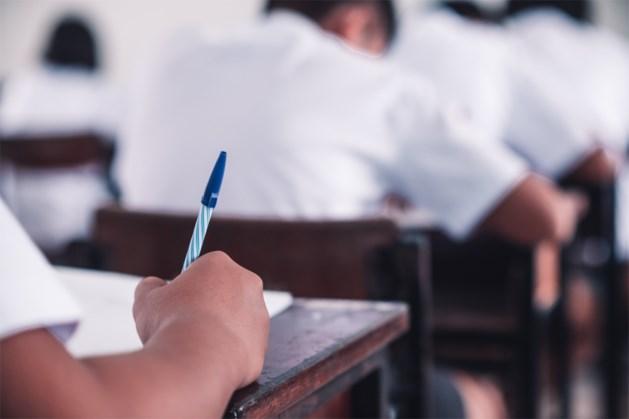 Leraar voegt ingenieuze vraag toe aan examen … en betrapt zo 14 'valsspelers'