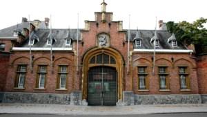Vijf gevangenen ontsnapt uit gevangenis Turnhout, al drie opgepakt