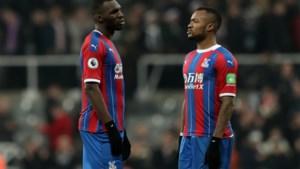 Leander Dendoncker wint, Christian Benteke speelt maar verliest en Leandro Trossard wordt vervangen: wisselvallige Belgen in Premier League