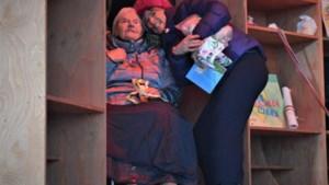 Eva De Roo krijgt bezoek van haar oma uit het rusthuis tijdens De Warmste Week