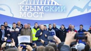 Poetin geeft brug naar geannexeerde Krim vrij voor treinverkeer
