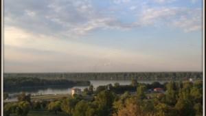 Boot met migranten kapseist in Donau in Servië
