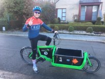 330 feestmaaltijden voor kansarmen met de fiets geleverd