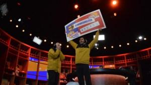 Dieter en Kevin liften 3.000 kilometer voor een cheque van 93.783 euro