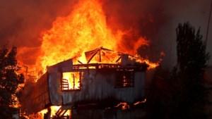 Massale evacuatie door aangestoken vuurzee in Valparaiso: 90.000 mensen zonder stroom