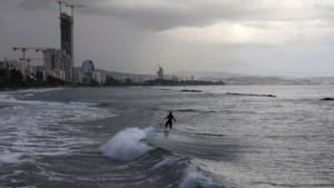 Dieven stelen assen van gestorven zoon uit huurwagen in Cyprus