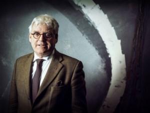 Houtblok velt gedeputeerde van Natuur Bert Lambrechts