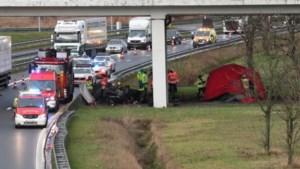 Dodelijk ongeval op A12:Twee Nederlanders (19 en 21) pas uren later ontdekt
