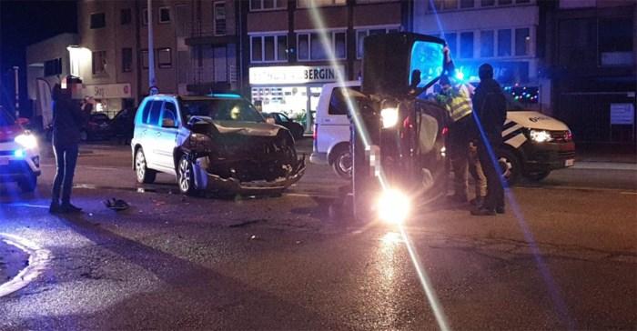 Auto komt op zij terecht bij ongeval in Maasmechelen