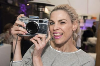 Tanja Dexters krijgt klappen na feestje in villa vriend