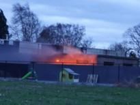 Haagbrand slaat over op opslagplaats in Meeuwen
