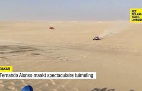 VIDEO. Fernando Alonso maakt spectaculaire tuimeling in Dakar.... en rijdt gewoon weer door