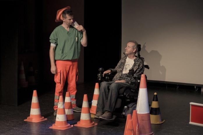 Verpleger en verkeersslachtoffer voor 200ste keer samen op podium in Heusden-Zolder om jongeren te waarschuwen
