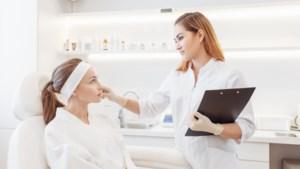 Daarom bevelen dermatologen hyaluronzuur aan voor je huidverzorging
