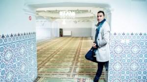 Imams begeleidden 16 geradicaliseerde gedetineerden die voorwaardelijk vrijkwamen
