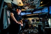 Hoe Clement met zijn nagebouwde Boeing 737 virtueel de wereld rondvliegt
