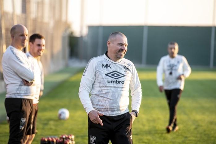 Milos Kostic kiest voor viermansdefensie en twee spitsen tegen Kortrijk