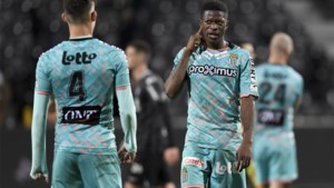 Blunder Penneteau kost Charleroi twee punten: Musona scoort meteen bij debuut voor Eupen