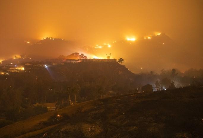 Onweersbuien blussen branden in het oosten van Australië