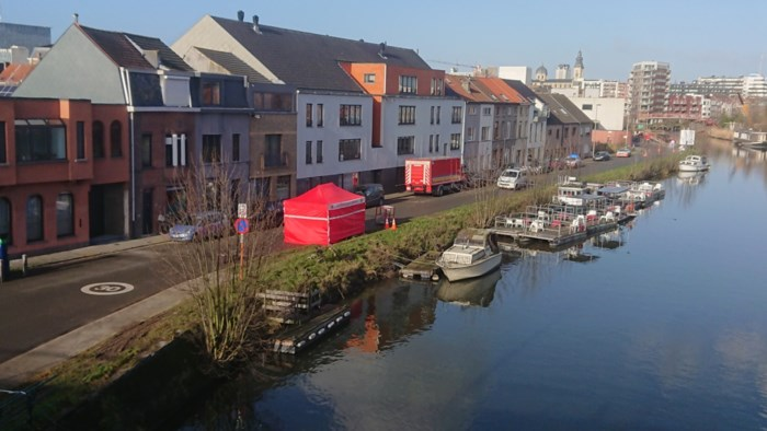 Oudere dame sterft na val in water in Gent