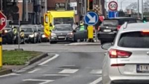 Tachtiger uit Balen zwaargewond bij ongeval op druk kruispunt in Hasselt