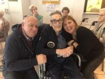 Rik organiseert zelf feest voor 100ste verjaardag, maar dan slaat noodlot toe