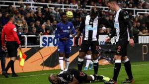 Newcastle ziet Jetro Willems uitvallen met zware blessure