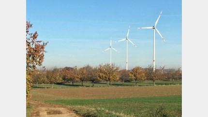 Windmolen langs E313 in Riemst na twee jaar al stuk