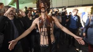 Autosalon eist 367.000 euro van manifestanten
