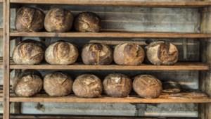 Klanten willen alleen nog vers brood bij de bakker: