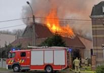 Huis onbewoonbaar na uitslaande brand