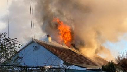 Uitslaande brand in Terboekt: bewoner naar ziekenhuis gebracht